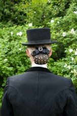 Hairnet set with rhinestones and brooch